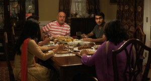 The-Big-Sick-The-Nanjiani-Family-at-dinner-1024x554